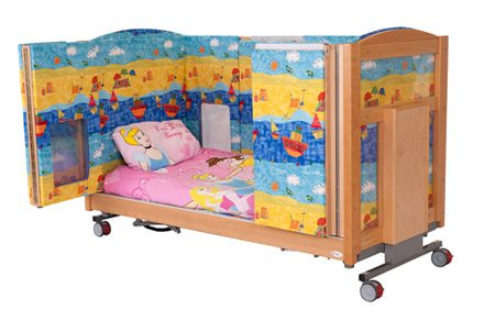 Mascot cot with padding